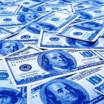 ¿Cuánto cuesta traer dólares en negro desde el exterior?