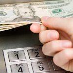 Se pueden extraer dólares de los cajeros automáticos?